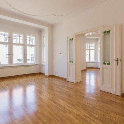 Traumhafte Altbauwohnung mit Balkon. Provisionsfrei -  Vorschau 5