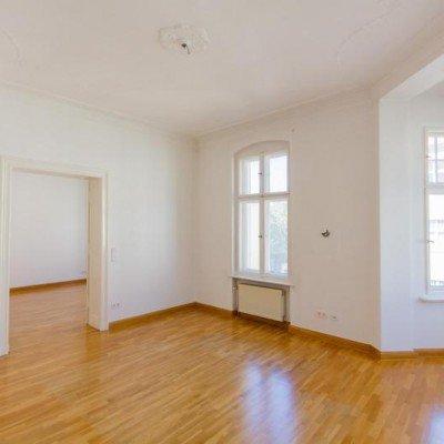 Traumhafte Altbauwohnung mit Balkon. Provisionsfrei -  Vorschau 6