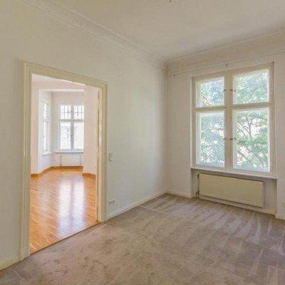 Traumhafte Altbauwohnung mit Balkon. Provisionsfrei -  Vorschau 7