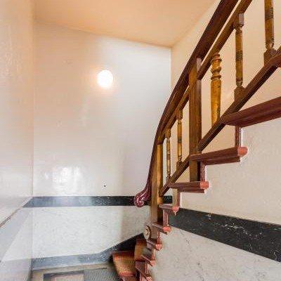 Traumhafte Altbauwohnung mit Balkon. Provisionsfrei -  Vorschau 16