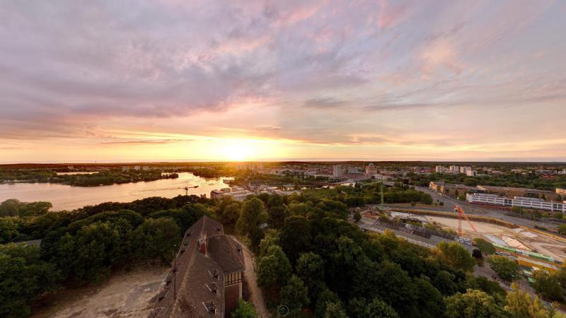 ERSTBEZUG *Sanierte Turmvilla * Exklusives Penthouse mit Dachterrasse * Wasserblick -  Bild 4