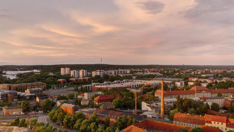 ERSTBEZUG *Sanierte Turmvilla * Exklusives Penthouse mit Dachterrasse * Wasserblick -  Bild 6
